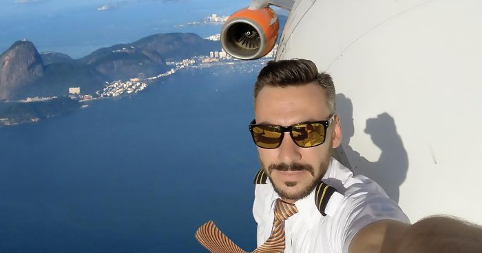 Pilot S Dangerous Mid Flight Selfies Go Viral But Turns Out They Re Not As Risky As Many