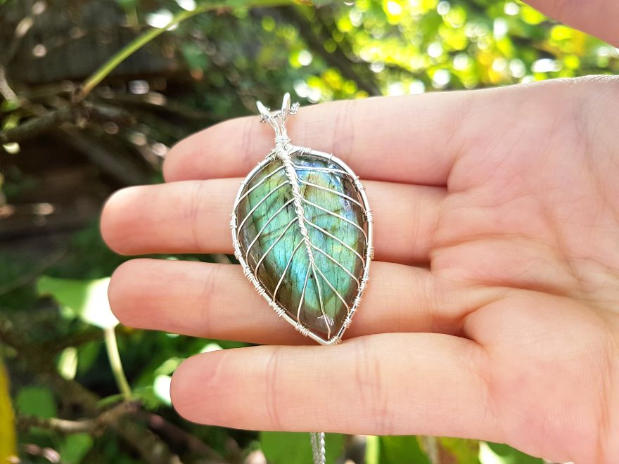 Another Leaf Design With Labradorite