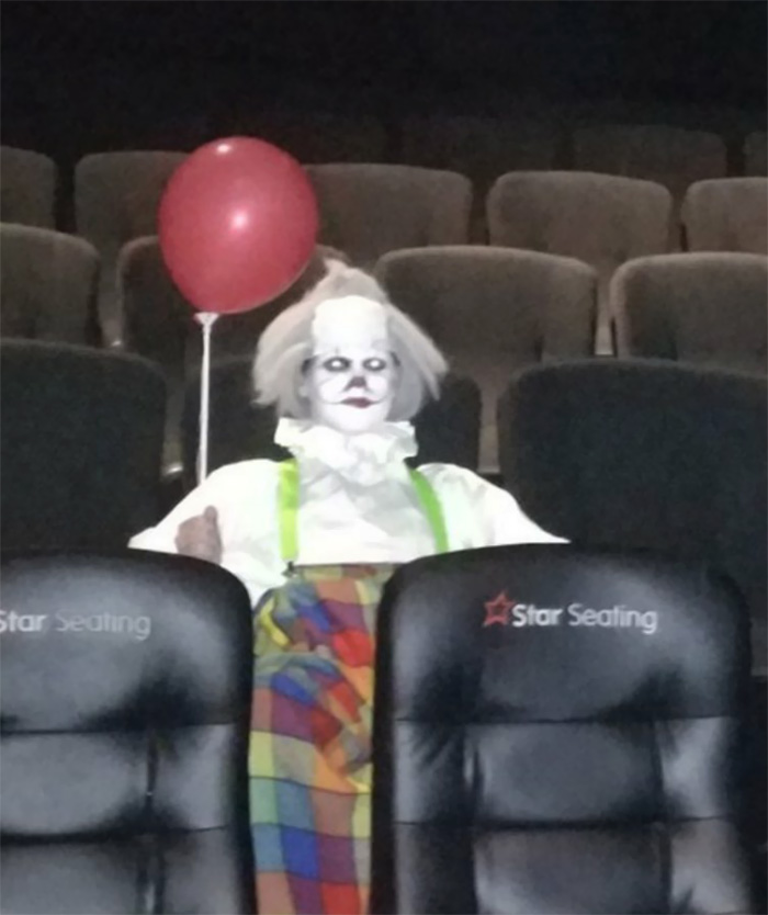 scary-clown-theater-it-movie-hghohbes-5