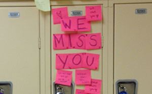 Students In My School Covered It's Lockers With Supportive Post-It Notes After 12th Grader Committed Suicide