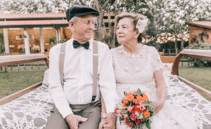 This Couple Had No Pictures Of Their Wedding Day, So They Had A Photoshoot 60 Years Later