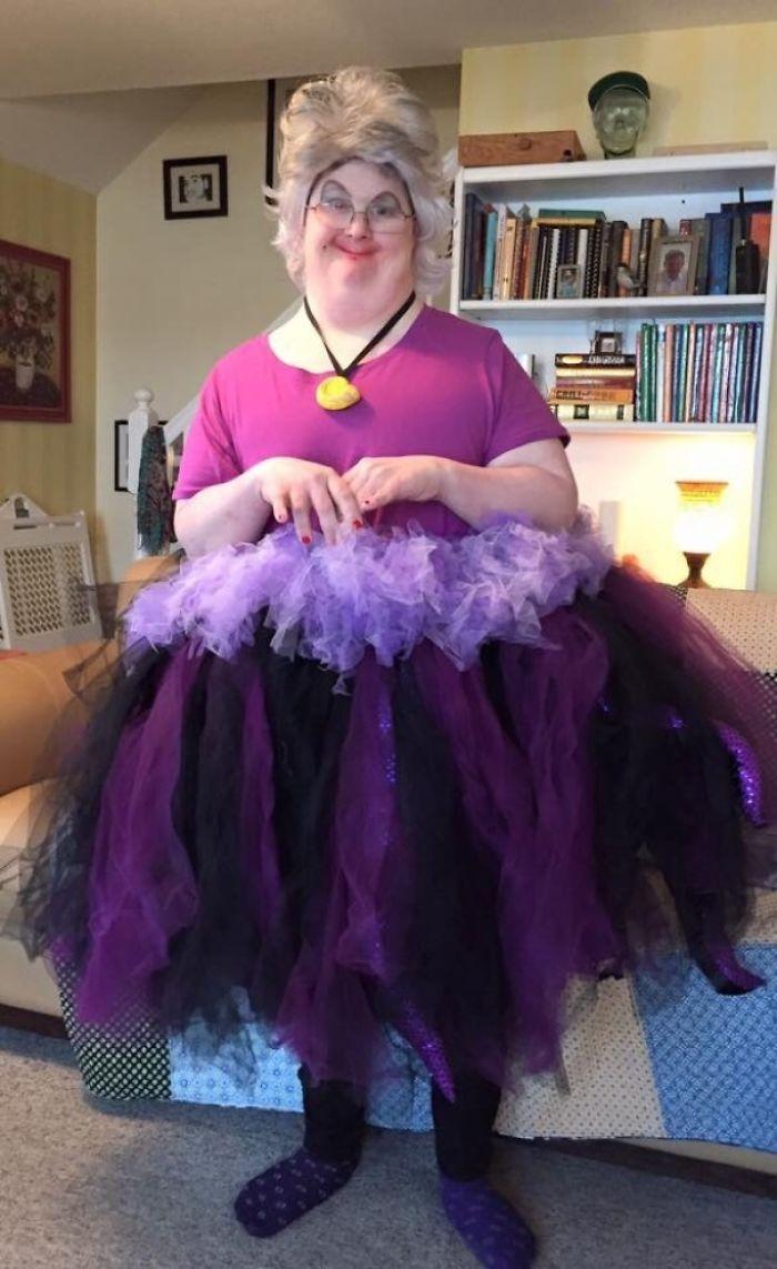 """Mi tío ha ganado el premio a """"disfraz más divertido"""" haciendo de Ursula"""