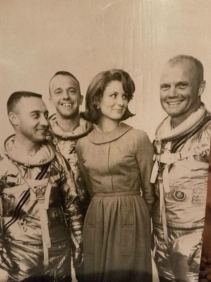 Mi Abuela Con Algunos Astronautas Del Mercury 7 John Glenn, Gus Grissom Y Alan Shepherd (14 De Septiembre, 1959)