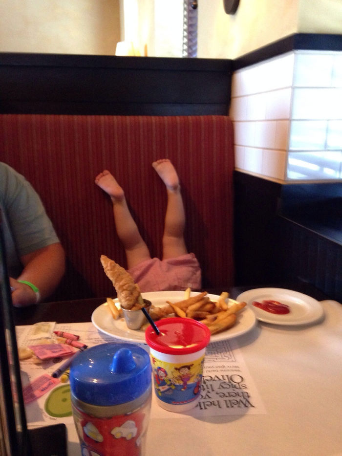 Hemos llevado a nuestra hija a cenar fuera