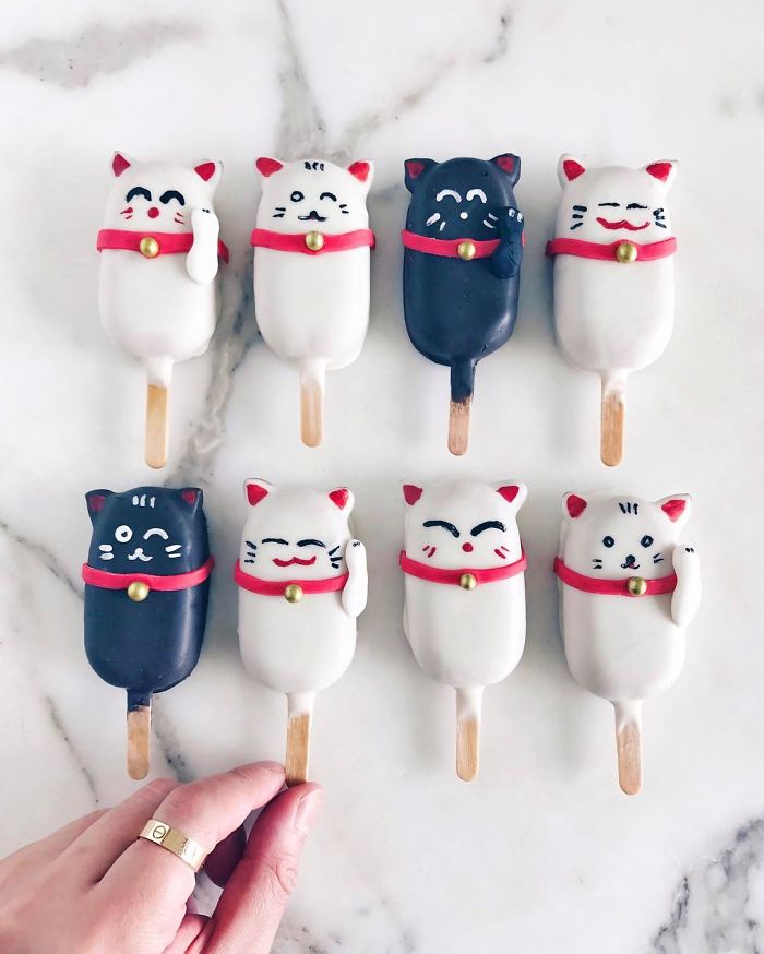 Avid Home Baker Who Turns Leftover Cake Scraps Into Meticulously Crafted Cake-Popsicles
