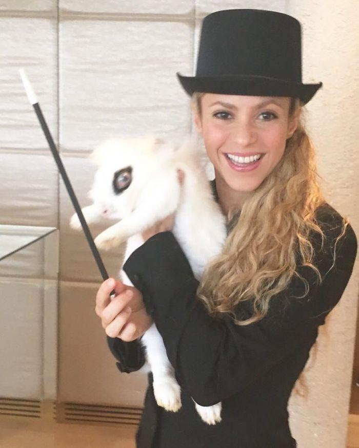 Shakira As A Magician