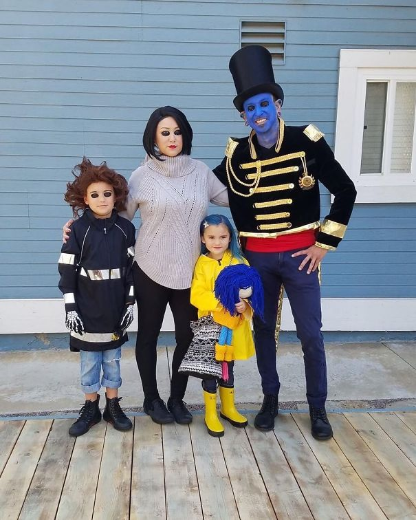 50 Times Families Absolutely Nailed Their Halloween Costumes Bored Panda