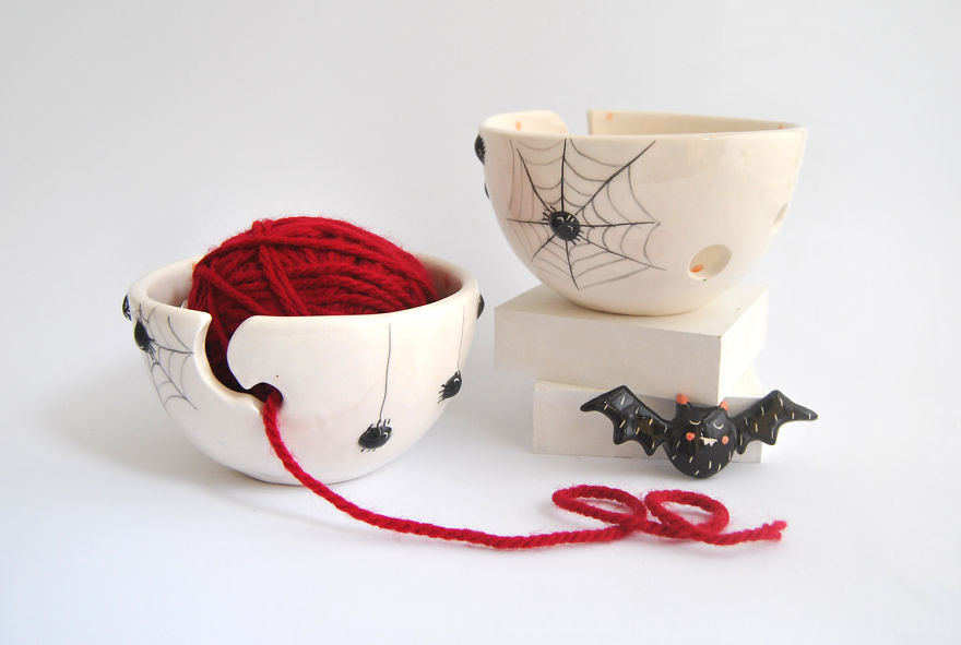Black Spiders Yarn Bowls