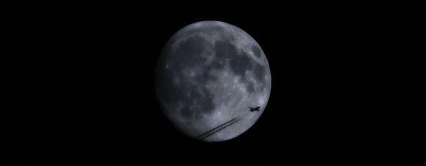 Moon-Grab-Pass-2-3-59db94a02c0c8-png.jpg