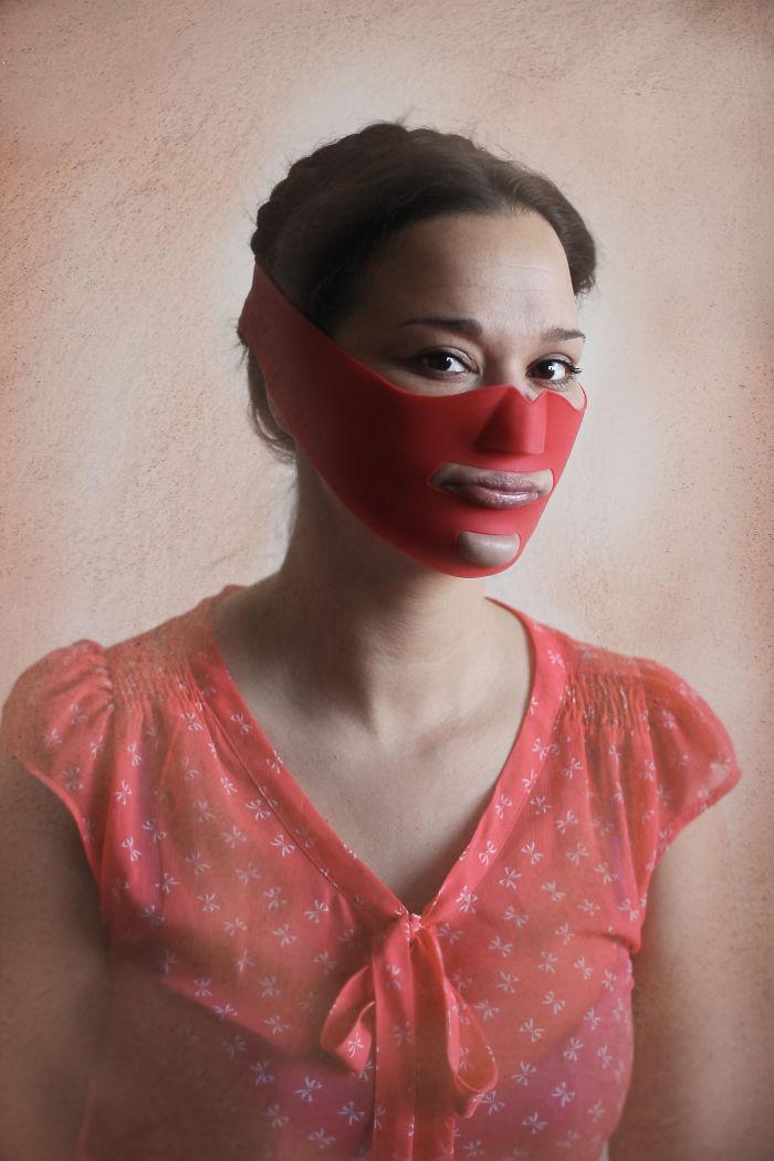 Cinta de estiramiento facial (con tacos en su interior)