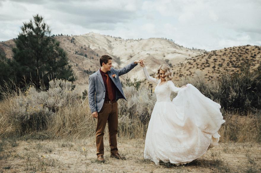bride-wears-grandmother-old-wedding-1962-dress-penny-jensen-jordyn-cleverly-11