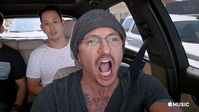 chester-bennington-linkin-park-carpool-karaoke-16