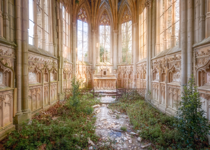 The Beauty Of Abandoned Buildings That I Photographed In France