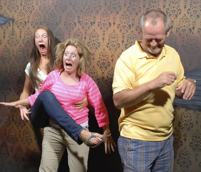 100 Hysterical Moments When People Got Scared To Death At A Haunted House, Caught By A Secret Cam