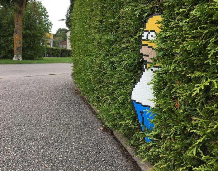 Someone Is 'Vandalising' Streets With Pixel Art, And The Result Is Awesome