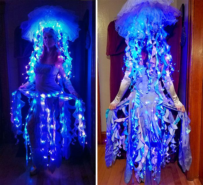 Bio-Luminescent Jellyfish