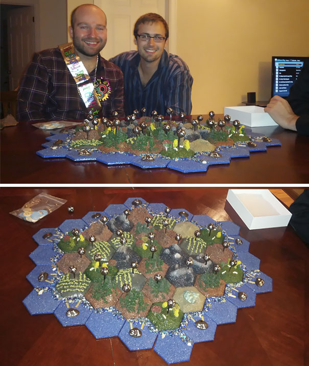 I Turned 30 Today And My Boyfriend Gave Me The Gift He's Been Working On For Over Two Months. A Custom Hand Made Settlers Of Catan Set + Extension. I'm An Incredibly Lucky Guy