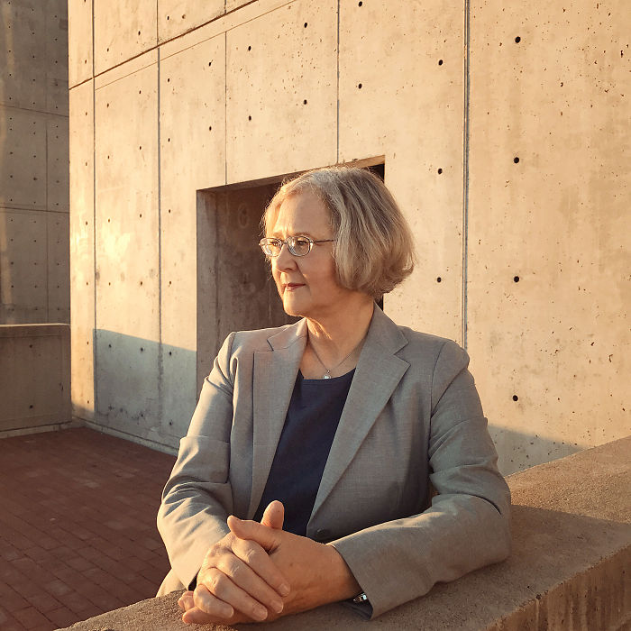 Elizabeth Blackburn - First Woman To Become President Of The Salk Institute