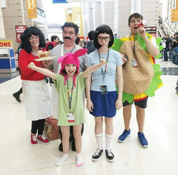 Excellent Family Cosplay