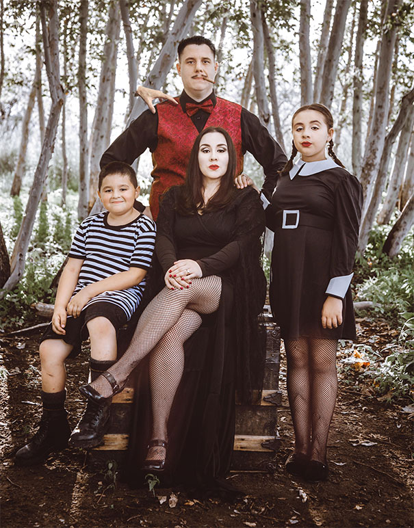50 times families absolutely nailed their halloween for Family of 4 picture ideas