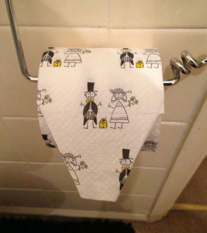 Mi suegra nos ha puesto esto en el baño