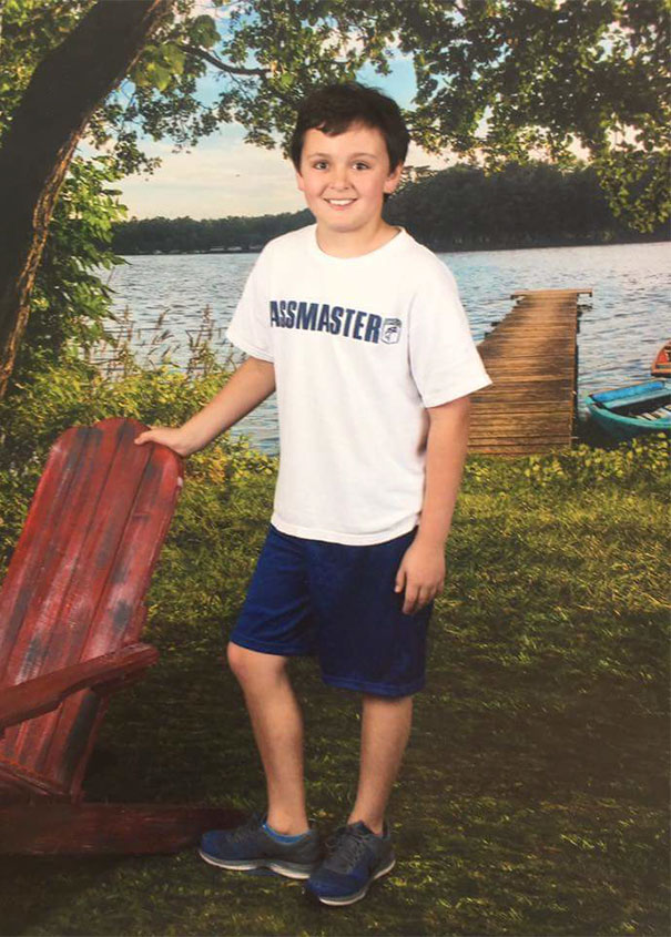 Friend On Facebook Sent Their Kid To School On Picture Day With The Wrong Shirt