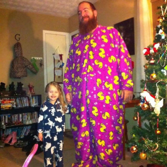 Mi sobrina y yo en pijama