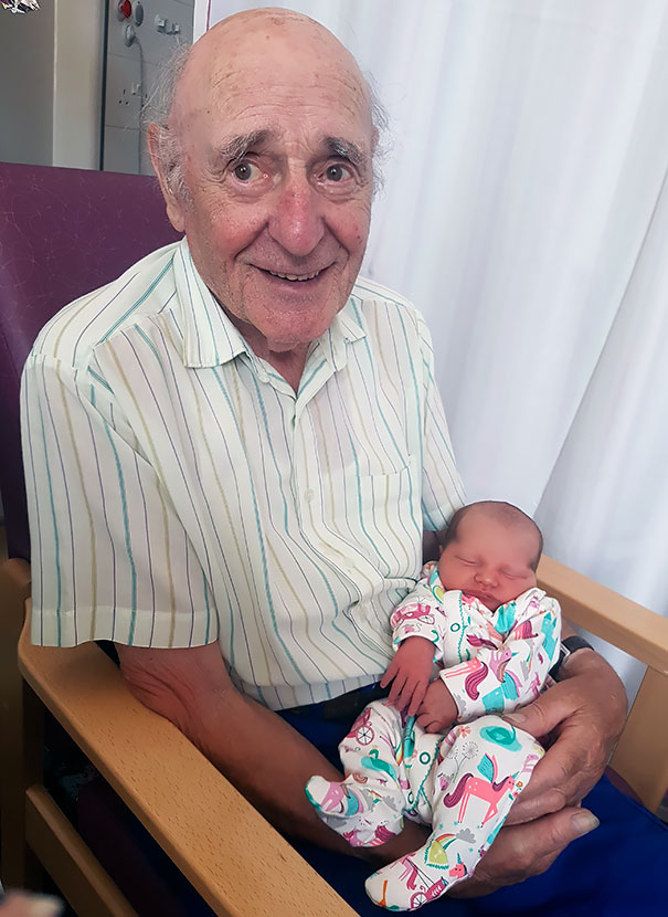 My 87-Year-Old Grandad Met His Granddaughter For The First Time