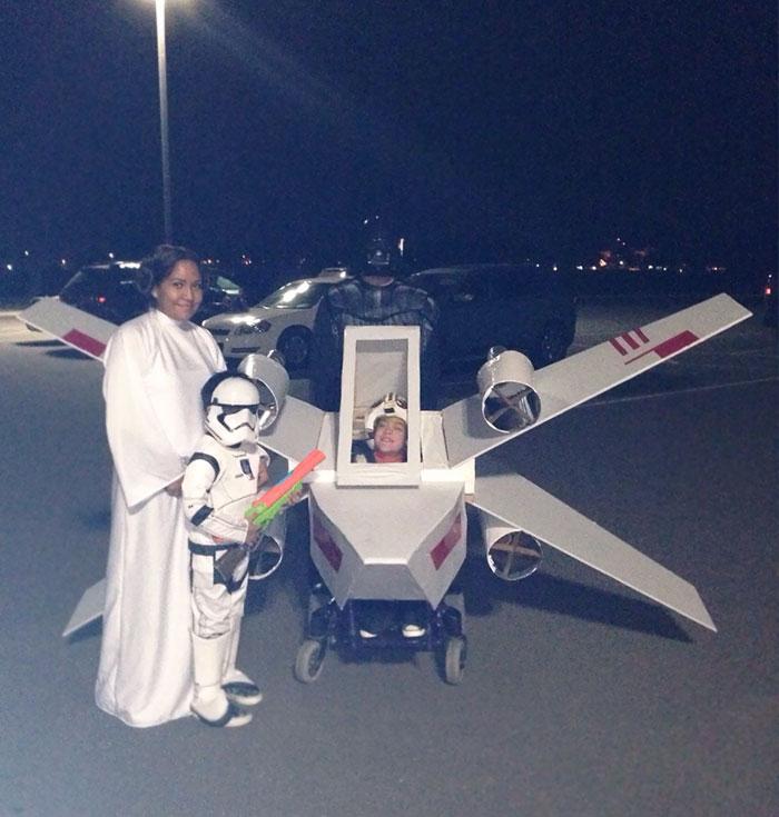 Disfraz de X Wing para mi hija en silla de ruedas