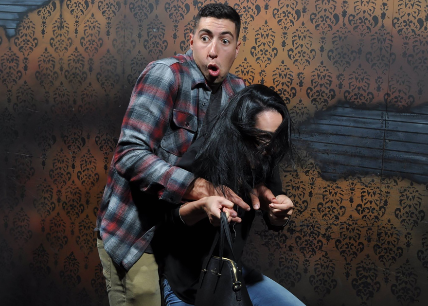 Haunted-House-Reactions-Nightmare-Fear-Factory-Canada