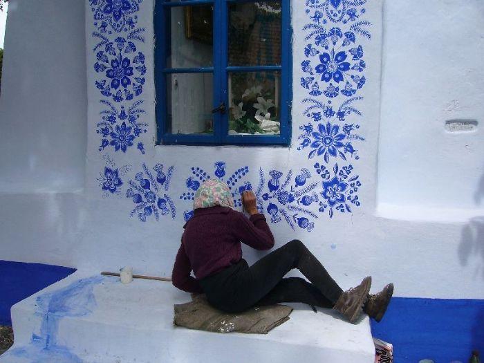 ===Historias que me gustan de...=== - Página 2 House-painting-90-year-old-grandma-agnes-kasparkova-16-59d334ed4fbd4__700