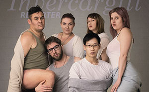 Librarians Attempt A Kardashian-Inspired Photoshoot, And The Result Is Even Better Than The Original