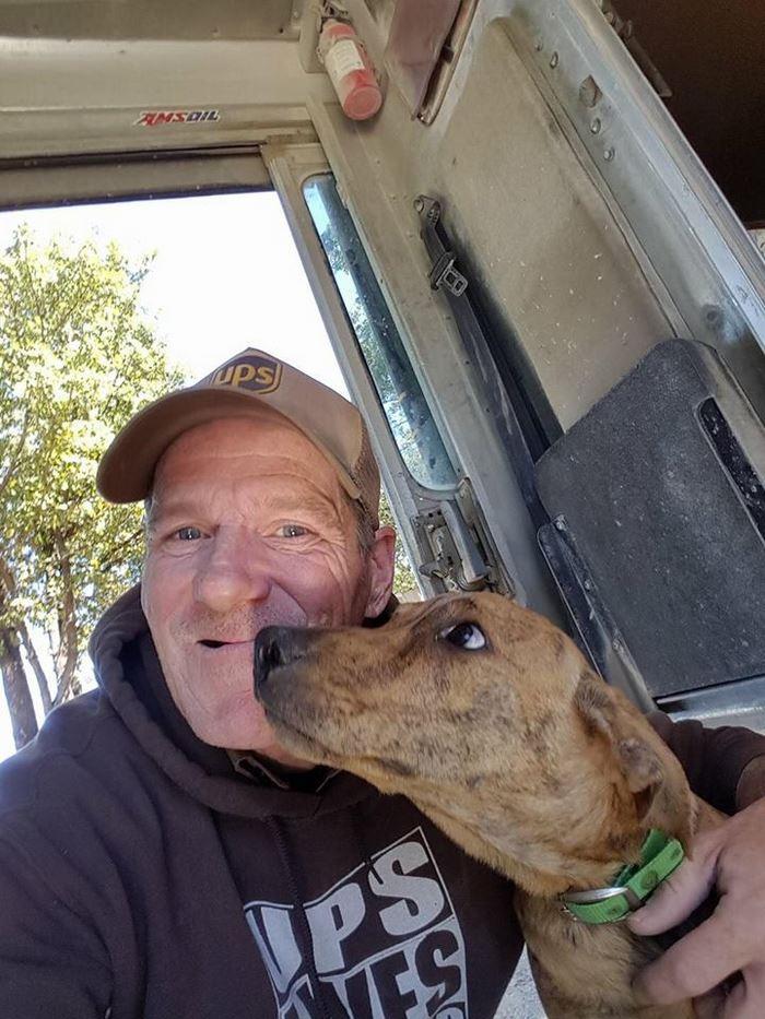 ups-dogs-facebook-group-drivers-meet-routes-sean-mccarren-5
