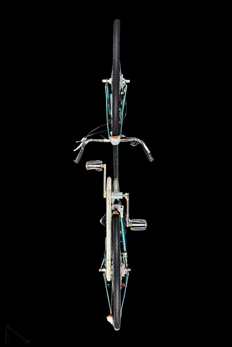 Under-Bikes: I Photograph Bicycles From Underneath