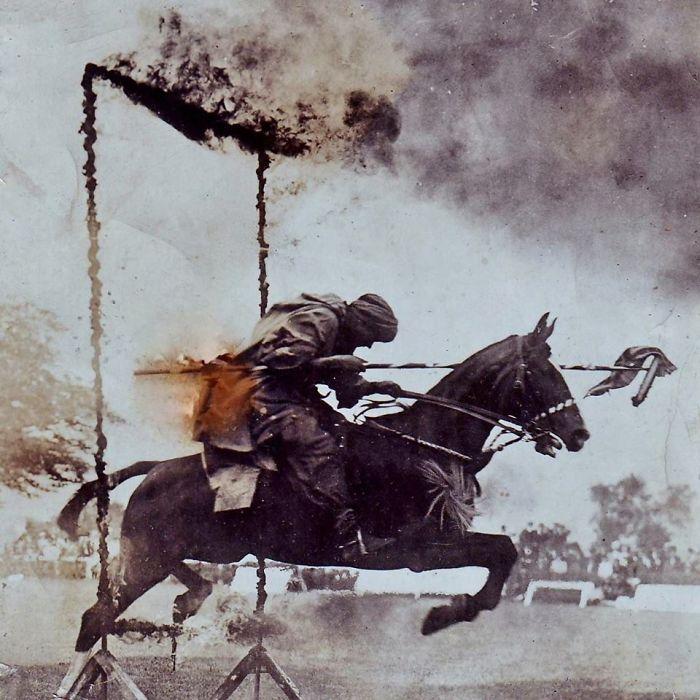 Mi Bisabuelo Mostrando Uno De Los Caballos Que Entrenó Para La Primera Guerra Mundial - Petawawa, ~1922