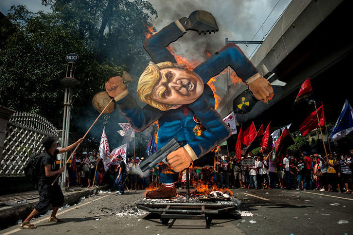 The Making Of The Anti-Trump Effigy