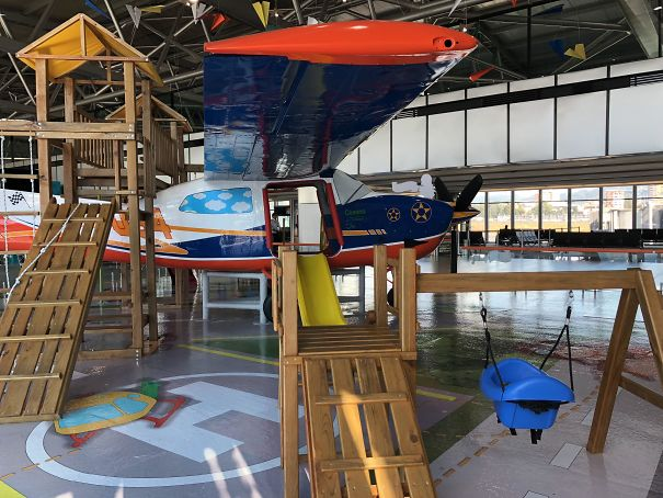 Guatemala's Airport Has A Repurposed Cessna Indoors For The Kiddos To Play While Waiting For Their Flights