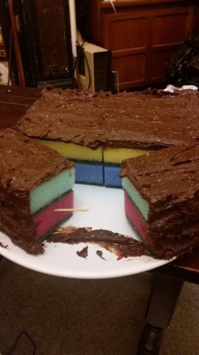 Mi novia quería una tarta esponjosa, no sé donde está el problema