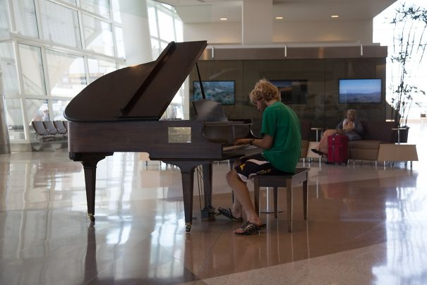 "In The Lobby Of The San Jose International Airport, There Is A Piano, And Next To This Piano Is A Sign Reading ""Entertain If You Will, But Please, Be Gentle With The Keys"""