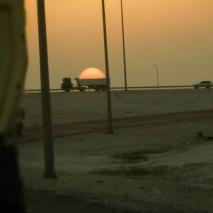 Camión robando el sol
