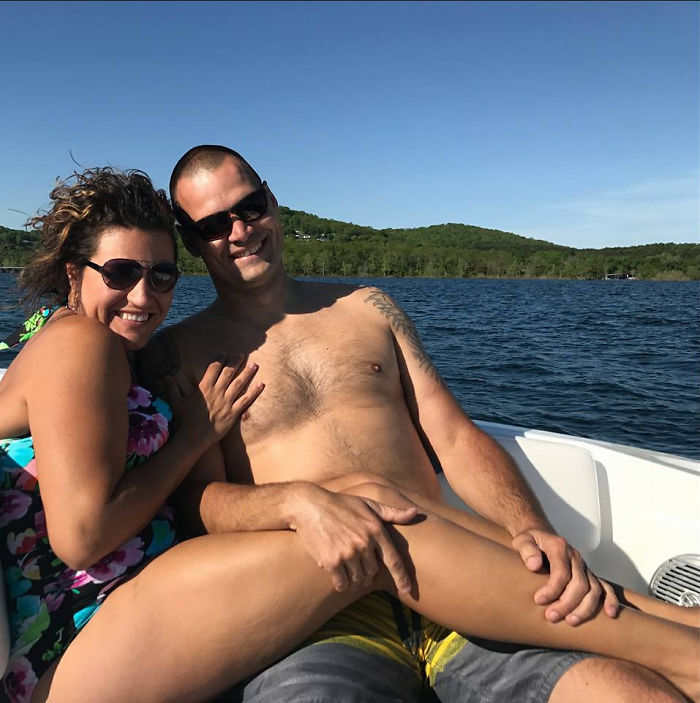 My Friend Posted A New Profile Pic With Her Boyfriend, And Everyone Took A Double Take