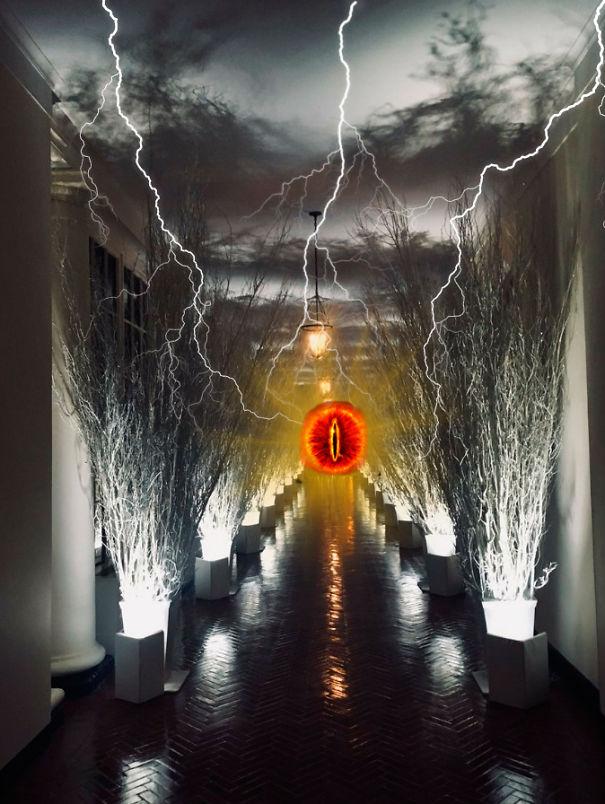 Sauron-Dark-Christmas-5a1eee63e39aa.jpg