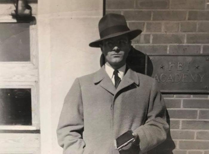 La Foto De La Academia Del Fbi De Mi Abuelo. Trabajó Como Reclutador De Espías Durante La Guerra Fría