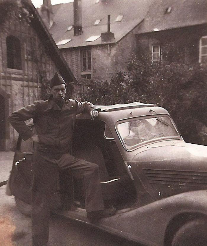 Segunda Guerra Mundial - Mi Fantástico Abuelo Con Un Coche Que Robó A Los Nazis