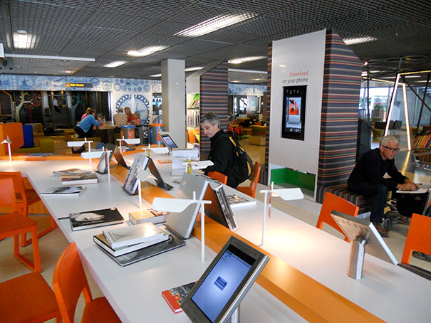 There Is World's First Airport Library With Print And E-Books In 29 Languages At Schiphol Airport, Amsterdam