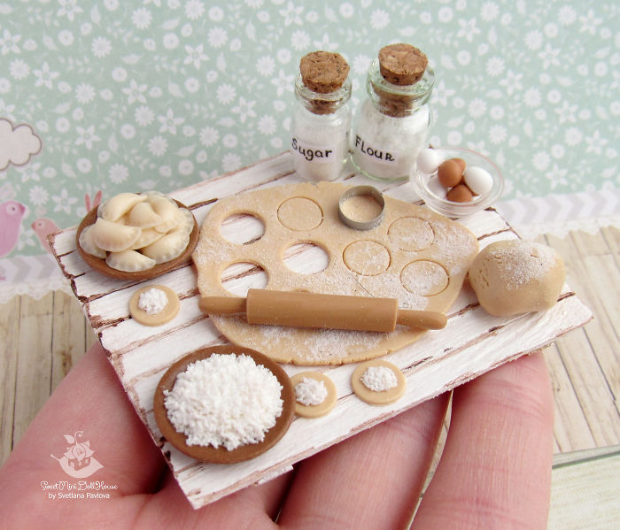 This Girl Makes Miniatures For Doll Houses With Crazy Precision