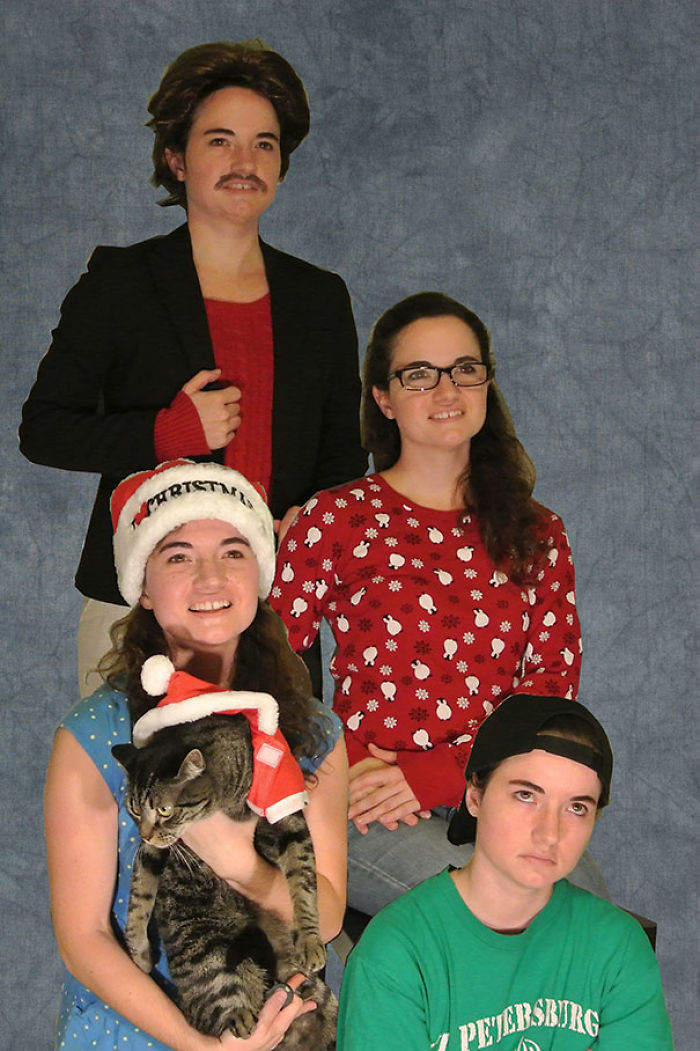 This Year, I Began Living Alone For The First Time. This Is My Christmas Card