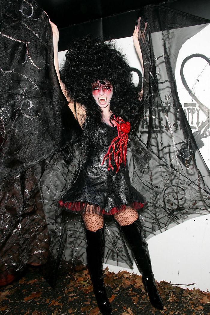 halloween-costumes-heidi-klum-11-59eef322cec45__700