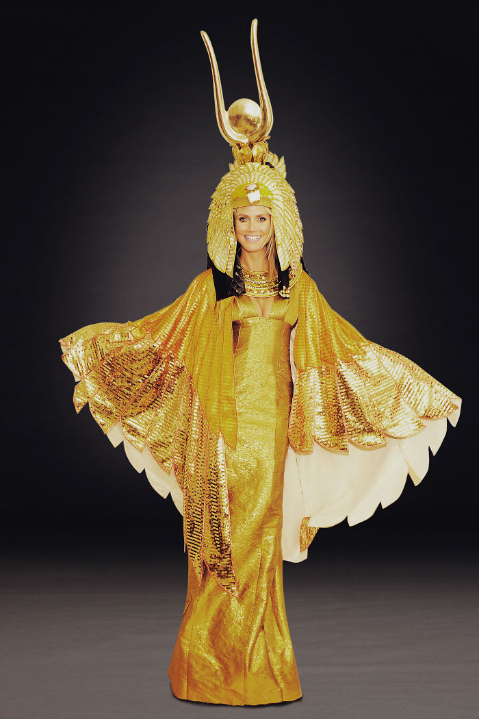 halloween-costumes-heidi-klum-43-59eef3c846dd6__700