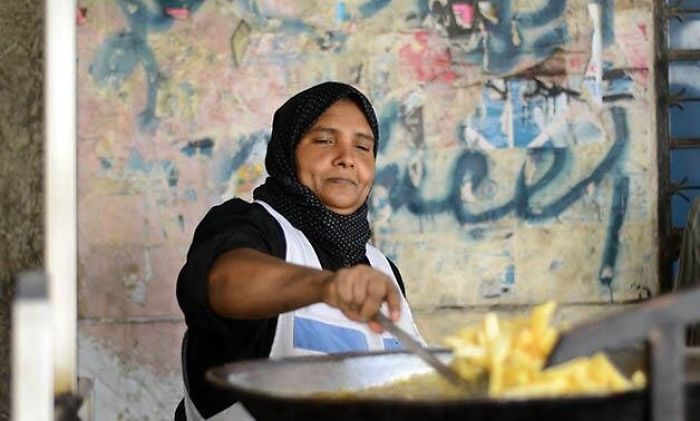 Om Amira (47 Years Old): Cairo's Queen Of Fried Potatoes